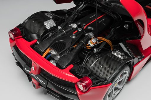 FERRARI LAFERRARI 2013 1 8 SCALE  scaled