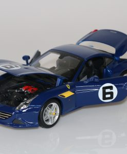 Bburago 118 Ferrari California T 70th Anniversary Collection 1